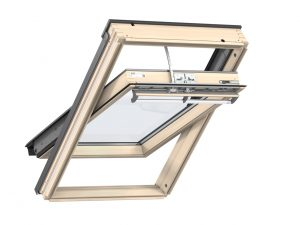 VELUX Premium katuseaken INTEGRA. Puitaken, kaugjuhtimisega. 3-kordse klaaspaketiga. GGL 306821