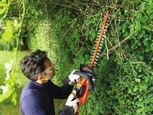 Akuga aiatööriistad