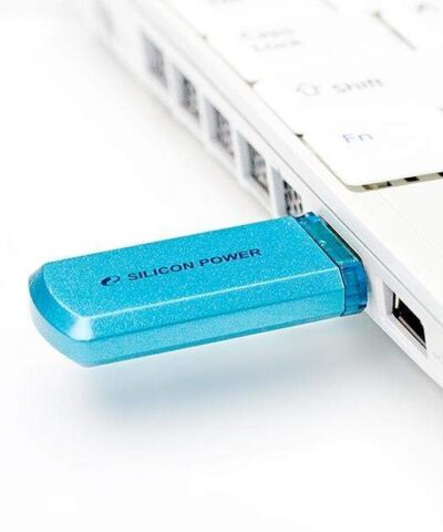 Silicon Power mälupulk 8GB Helios 101, sinine